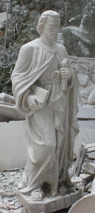 LARGE CHURCH STATUE; CLASSIC RENDERING OF ST. PETER W/ BOOK & KEYS TO HEAVEN, RELIGIOUS