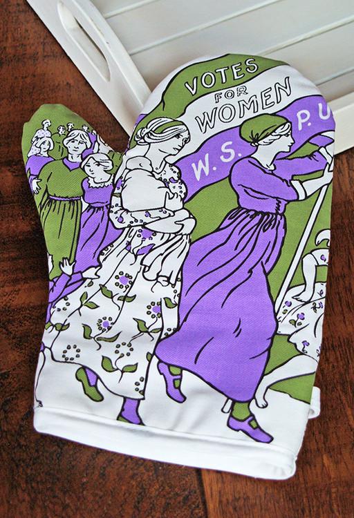 Women's March oven mitt