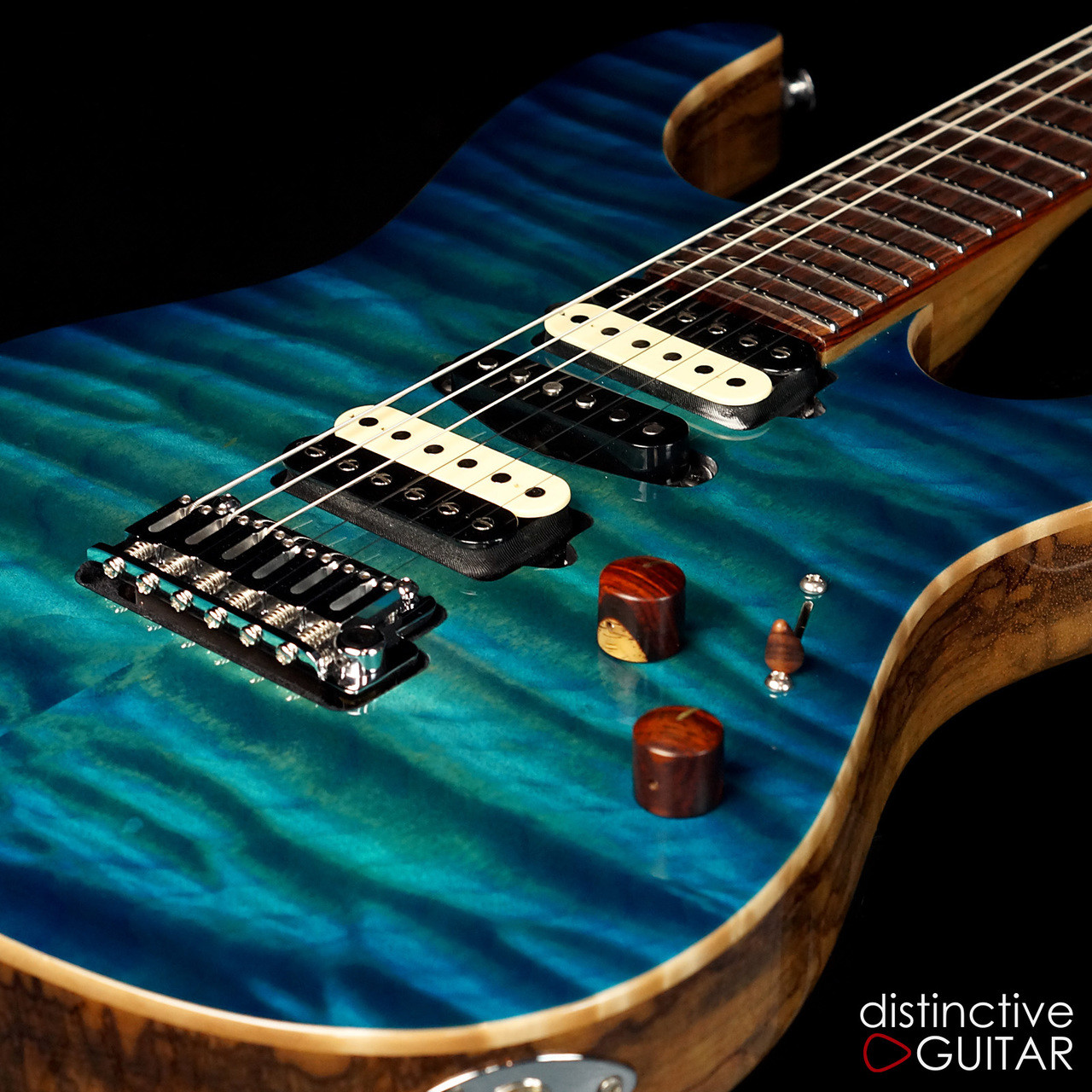 suhr modern custom distinctive select 7 aqua blue burst mega quilt. Black Bedroom Furniture Sets. Home Design Ideas