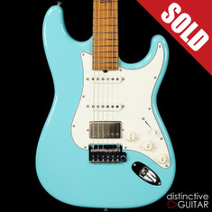Suhr Classic Antique Roasted Recovered Sinker Maple #6 Daphne Blue