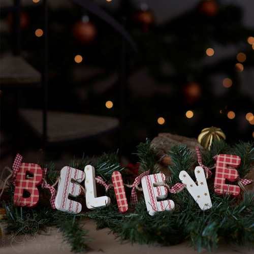 Wooden Garland Decoration 'Believe'