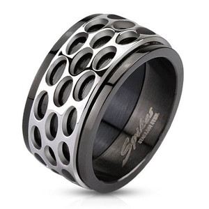 Silver Tread and Black Ring
