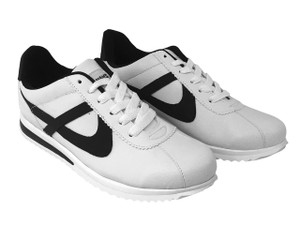 Panam - Ultra Xolo White and Black Low Top Unisex Sneaker