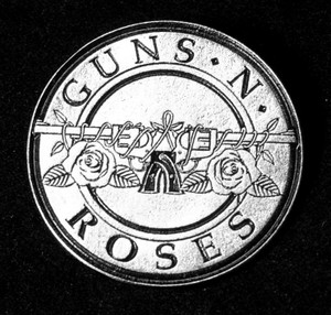 "Guns N Roses - Logo 1 3/4"" Metal Badge Pin"