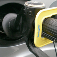 FuelGrip for refilling car with cold hands