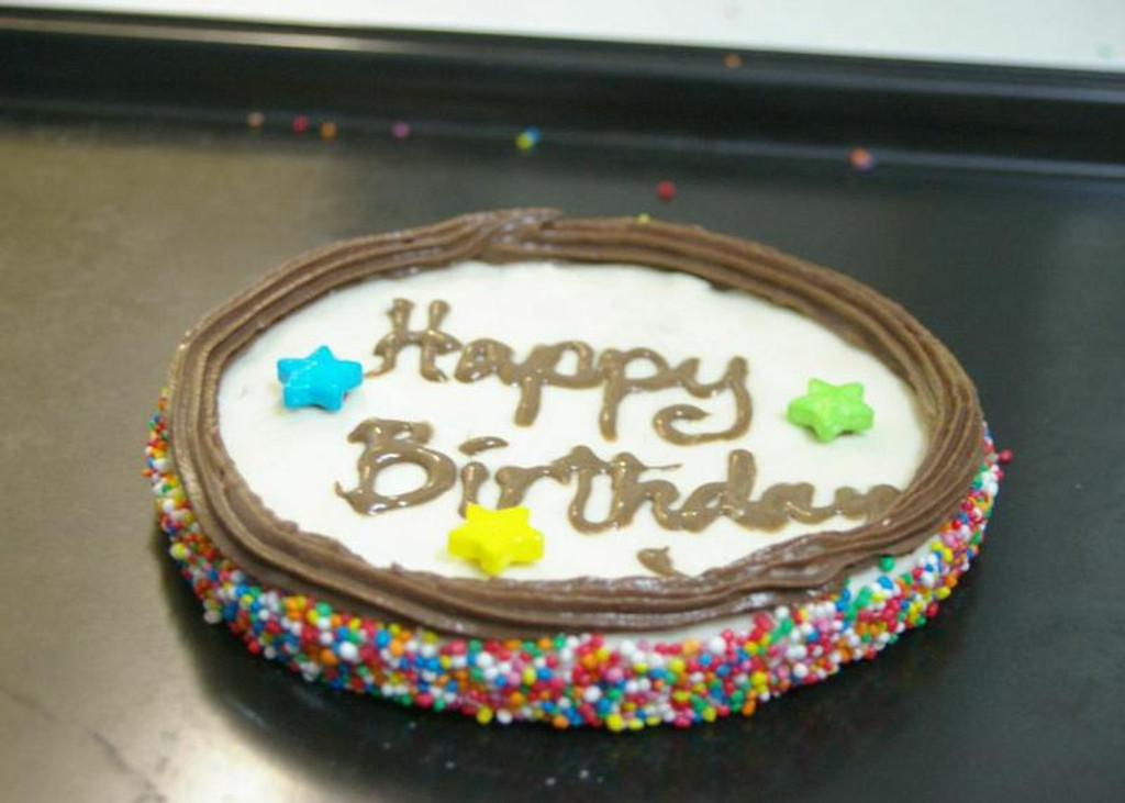 Puppy Birthday Cake - Yoghurt - 1pce