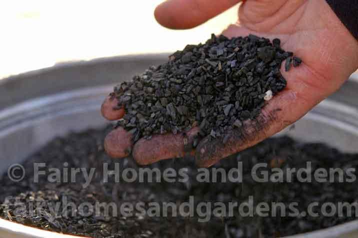 horticultural-charcoal-for-terrarium.jpg