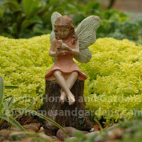 Miniature Fairy Sharing Secrets