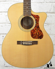 Guild OM-240CE Natural w/ Bag