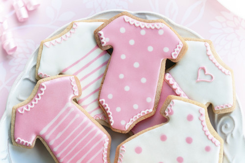 Our famous and delicious butter cookies are simply irresistible. Bring along some cookies or use as a favor at your baby shower party! Let us know which color you would like if you know the gender of the baby.  Delicious and beautiful all in one bite!