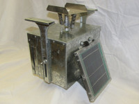 12 Volt Galvanized Box Feeder Control Unit with Attached Solar and Eliminator - 133LDTSE-A
