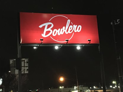 Bowlero Solar Sign Lighting System