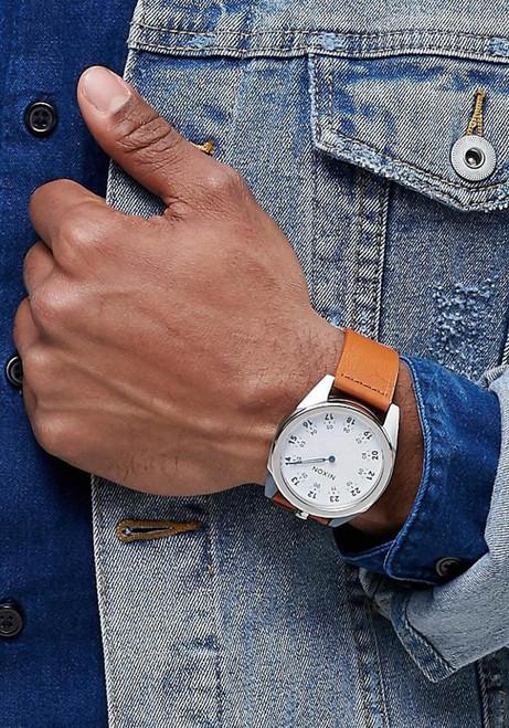 Nixon Genesis Leather White/Saddle watch (A9262312)