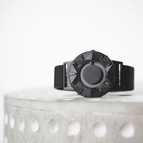Eone Bradley Element Black (BR-CE-B)