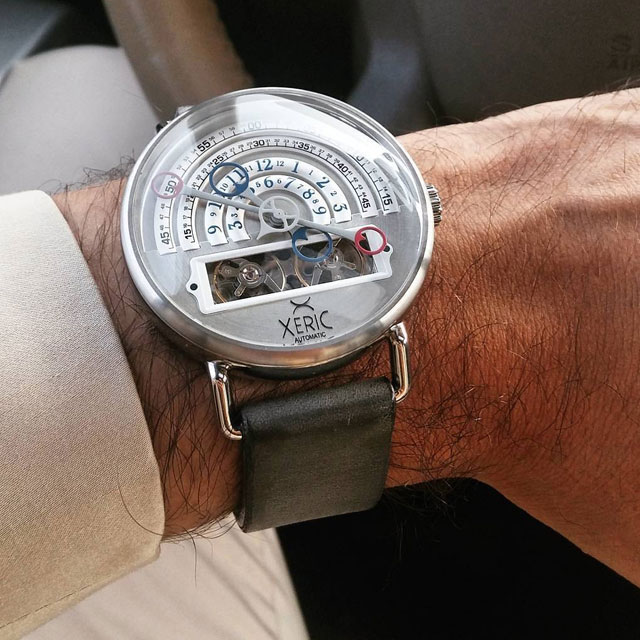 xeric-halograph-silver-wrist-driving-640x.jpg