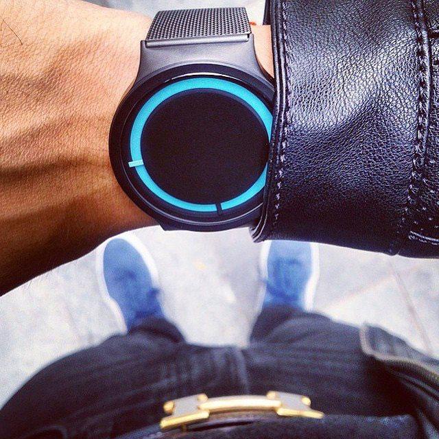 ziiiro-wrist-blue-black-640x.jpg