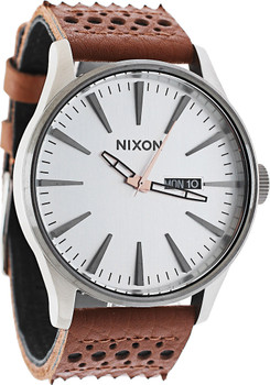 Nixon Sentry Leather Saddle/Silver Coachella