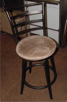 METAL FRAME SWIVEL BARSTOOL 24'' HEIGHT