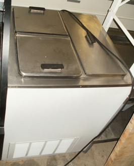 4 HOLE DIPPING CABINET