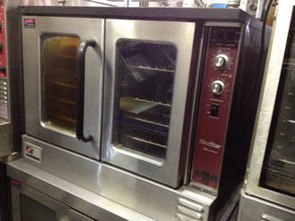 "SilverStar Convection Oven, gas, single deck, standard depth, solid state controls, interior light, stainless steel front, top, sides & 60/40 dependent doors, 26"" legs, 72,000 BTU, CSA, NSF"
