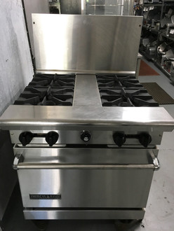 "AMERICAN RANGE AR30-4B Heavy Duty Restaurant Range, gas, 30"", (4) 32,000 BTU open burners with spreader, standard oven, (1) rack, stainless steel front, sides, 6"" adjustable chrome plated legs, 48.0 kW, 163,000 BTU, ETL-Sanitation, NSF, Made in USA."