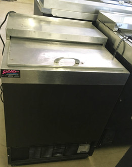"""Glass Froster, underbar, 24""""W, self-contained refrigeration, -10°F to 10°F temperature range, (3.75) cu.ft. interior volume, front vented, manual defrost, self-evaporating condensing pan, stainless steel top & interior, R134a, 1/3 HP, 115v/60/1-ph, 5.8 amps, 6' cord & NEMA 5-15P, NSF, cULus. NBm."""