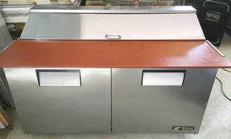 """Sandwich/Salad Unit, (16) 1/6 size (4""""D) poly pans, stainless steel insulated cover, 11-3/4""""D cutting board, stainless steel top/front/sides, aluminum back, (2) full doors, (4) adjustable PVC wire shelves, aluminum interior with stainless steel floor, 5"""" castors, R290 Hydrocarbon refrigerant, 1/3 HP, 115v/60/1, 6.5 amps, NEMA 5-15P, cULus, UL EPH Classified, MADE IN USA"""