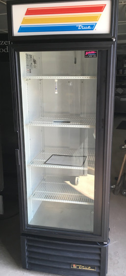 Refrigerated Merchandiser, one-section, True standard look version 01, (4) shelves, powder coated steel exterior, white interior with stainless steel floor, (1) Low-E thermal glass hinged door, LED interior lights, bottom mounted self-contained refrigeration, R290 Hydrocarbon refrigerant, 1/3 HP, 115v/60/1, 5.4 amps, NEMA 5-15P, cULus, UL EPH Classified, CE, MADE IN USA, ENERGY STAR®