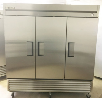 "Freezer, Reach-in, -10° F, three-section, stainless steel doors, stainless steel front, aluminum sides, aluminum interior with stainless steel floor, (9) adjustable PVC-coated wire shelves, interior lighting, 4"" castors, R290 Hydrocarbon refrigerant, 3/4 HP, 115v/60/1, 14.0 amps, NEMA 5-20P, MADE IN USA"