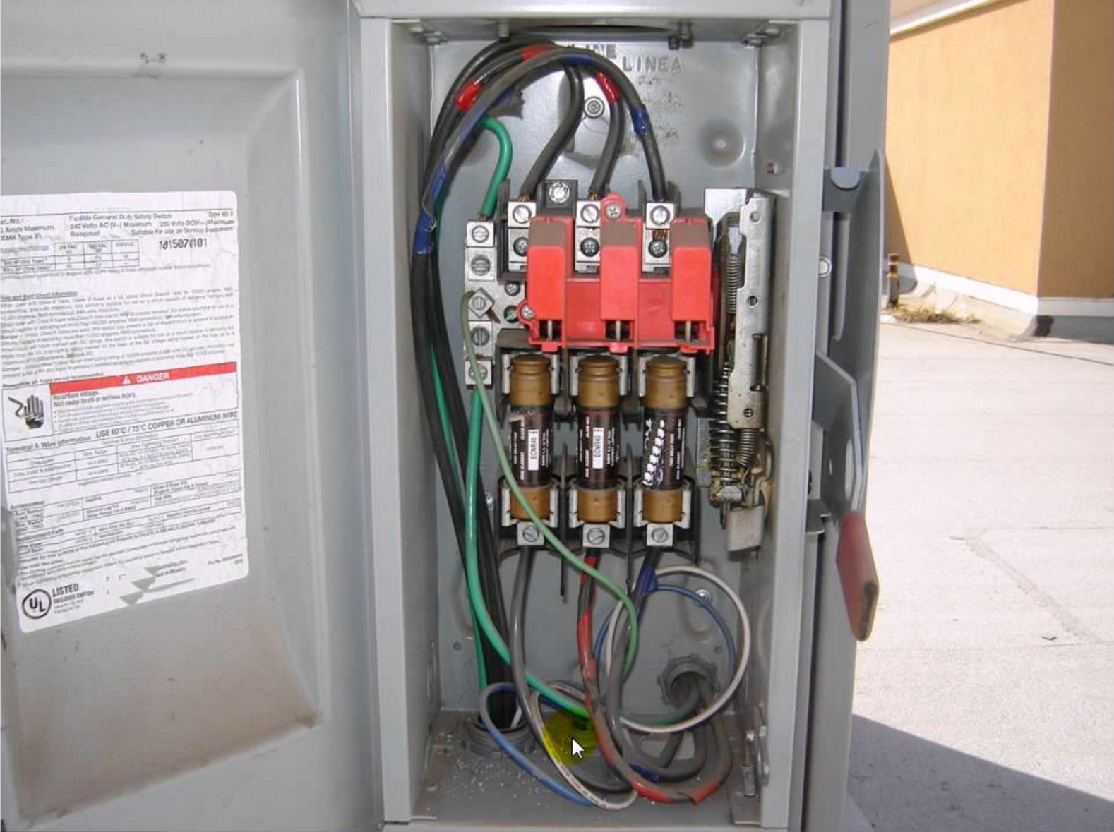 Diagnosing Issues In A 3 Phase Air Conditioning Compressor Hvac Brain Pump Down Refrigeration Wiring Diagram Electrical Disconnect Box