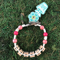HOTI Hemp Handmade Stoner White Hemp Square Wood Cube Alphabet Brown Natural Beads Hot Pink Round Bead Men's Women's Ladies Man Woman Unisex Beaded Jewellery Word Up Roach Clip Bracelet Hand Crafted Made in Toronto Made in Ontario Made in Canada Beaded Wood Beads Square Beads 420 Cannabis Marijuana Weed Pot Mini Metal Alligator Clip Clip It Clip Toronto Ontario Canada Canadian Jewelry Accessory Accessories